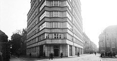 (#24) Plac Szczepański, widoczny budynek Komunalnej Kasy Oszczędnościowej
