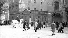 (#26) Plac Szczepański, widoczny koń i Melex