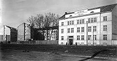 (#38) Aleje Trzech Wieszczów, widoczny budynek Herbewo