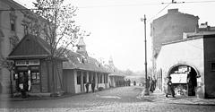 (#46) ul. Słowiańska, widoczny sklep z tytoniem