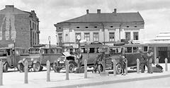 """(#64) Plac Bohaterów Getta, dawniej Plac Zgody, widoczny dworzec autobusowy """"Karpaty"""""""