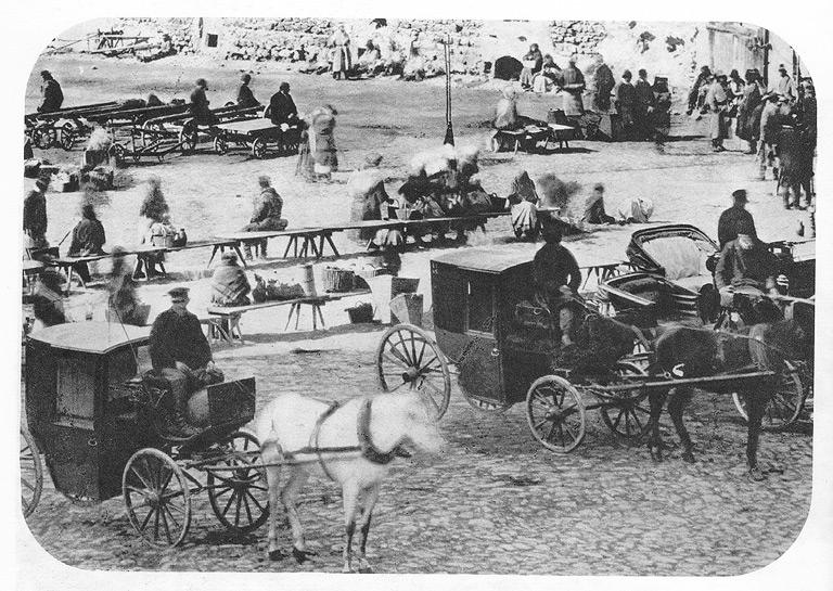 Sceny z życia Rynku. Fot. Ignacy Krieger